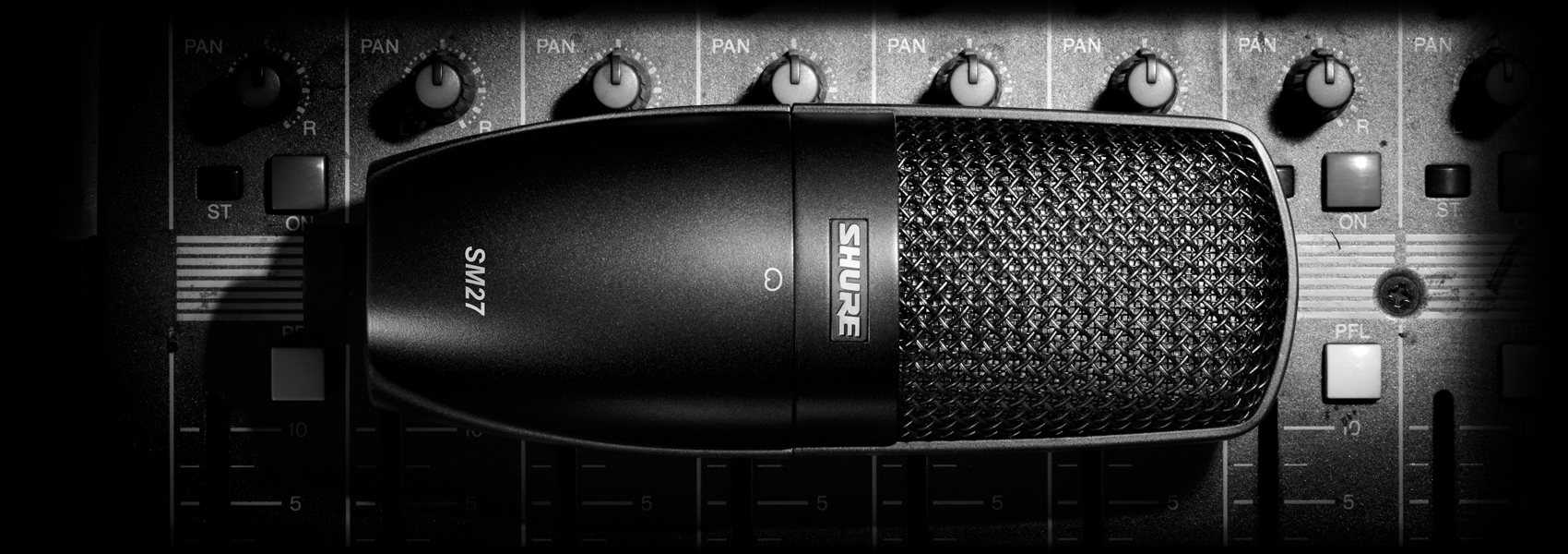 Ilustración Shure SM27 Micrófono de condensador profesional de gran diafragma
